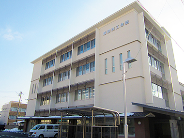 飯田商工会館外観